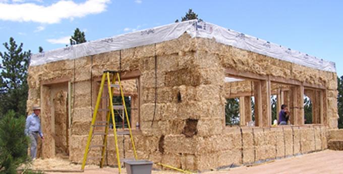 Maison en paille autoconstruite for Construction mur porteur